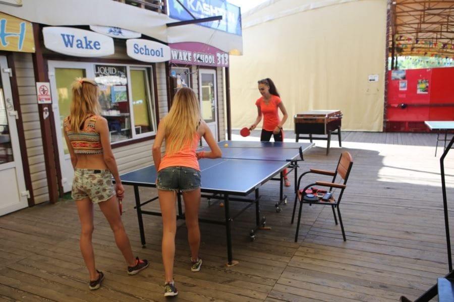 настольный теннис киев украина пин понг игра ракетки отдых развлечение отдых на природе парк икспарк xpark